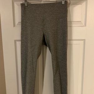 Old Navy active leggings, Size L